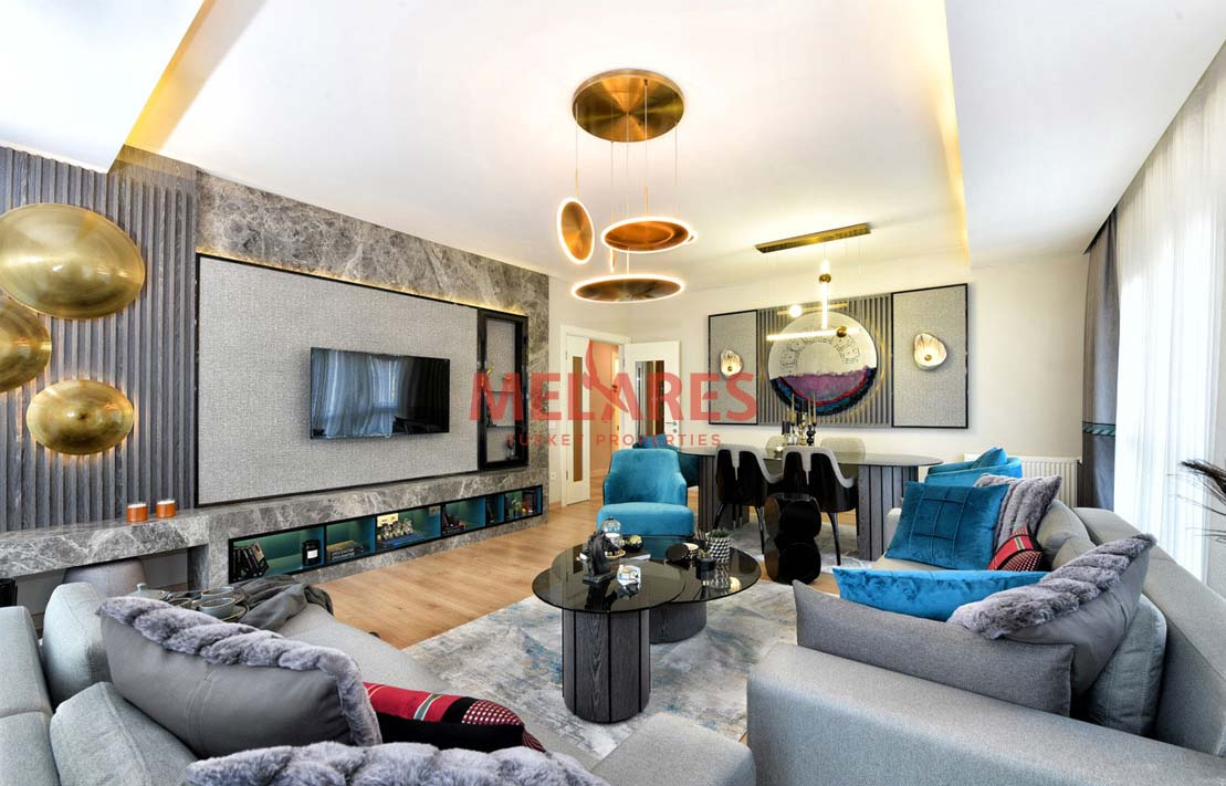 Duplex Apartment Close to Marmara Sea in Istanbul Beylikduzu