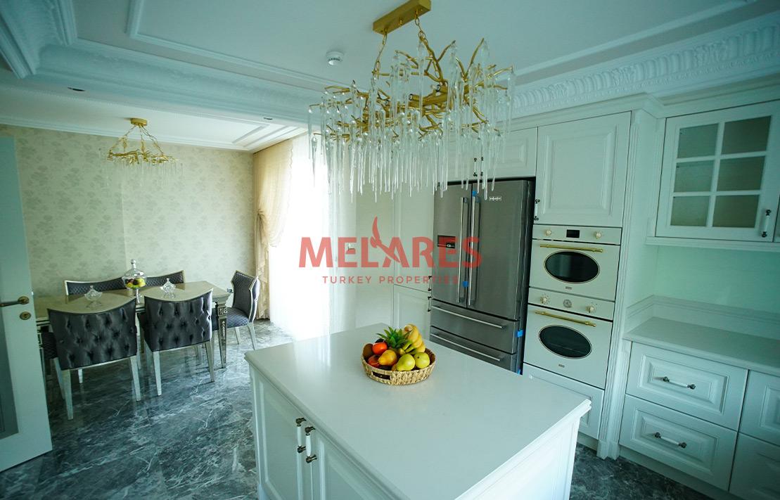 Fourplex luxury villa with lake view