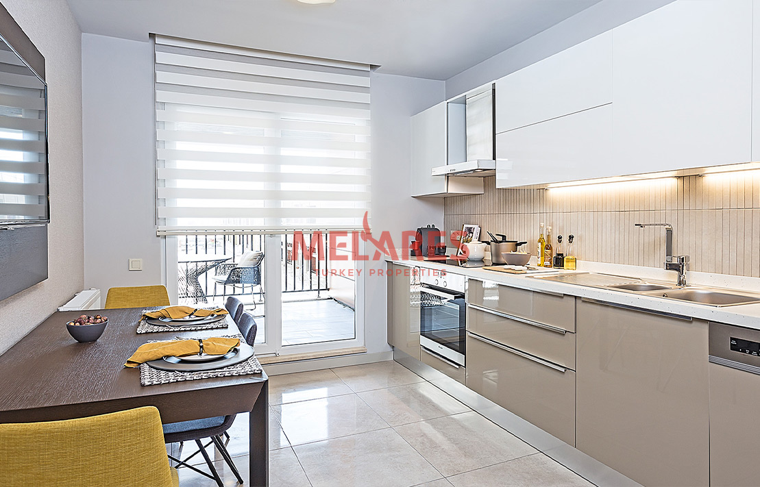 Luxury 3 Bedroom Flat with Closed Kitchen