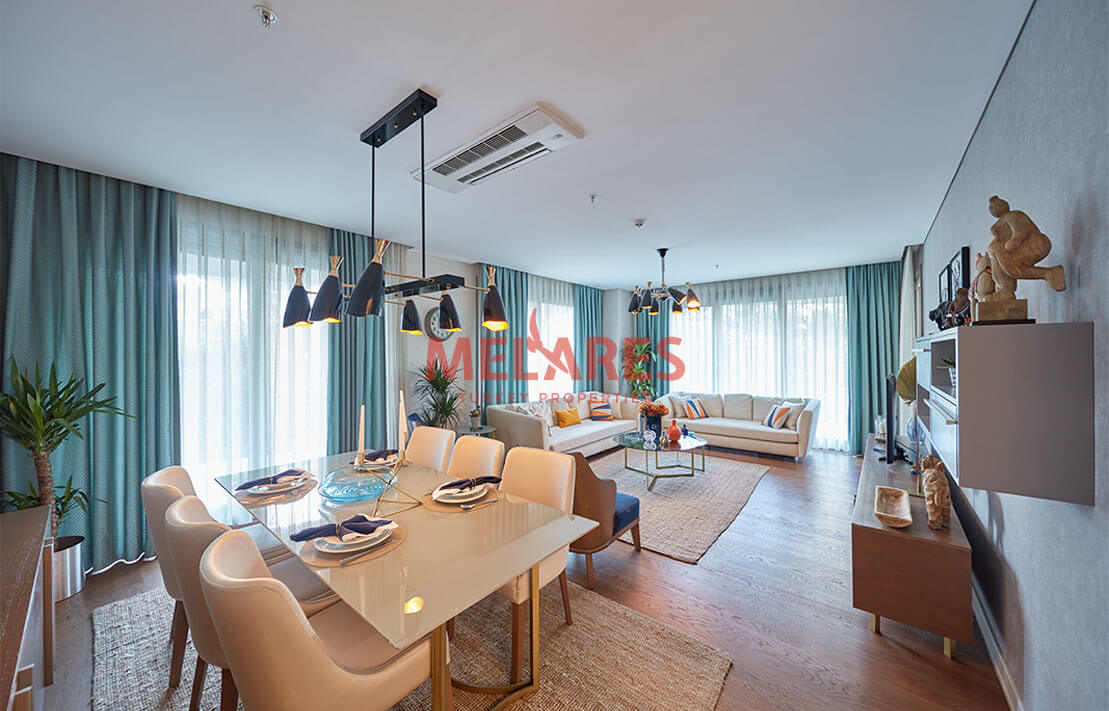 Three-sided Corner Apartment with Available Tenant in Istanbul
