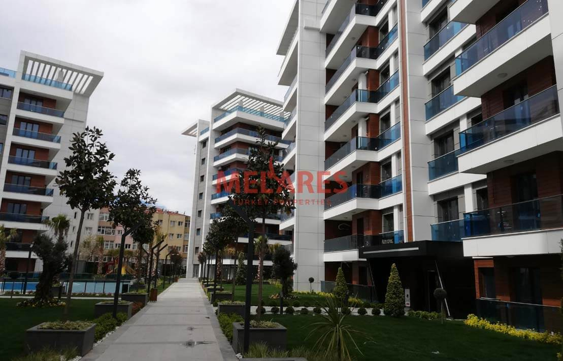 Amazing Three Bedrooms Apartment in Istanbul Avcilar