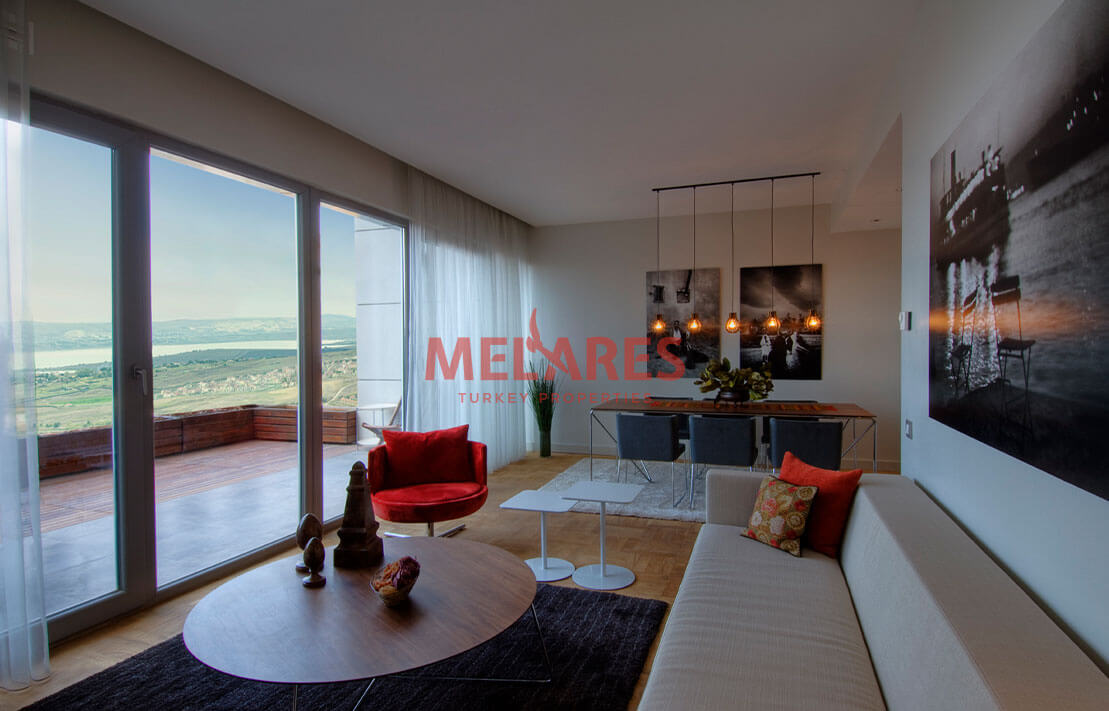 Lake View Duplex Apartment for Sale in Istanbul Buyukcekmece