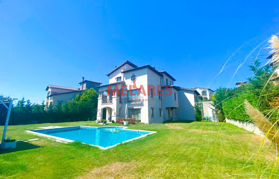 Luxury Villa for Sale in Istanbul with private pool