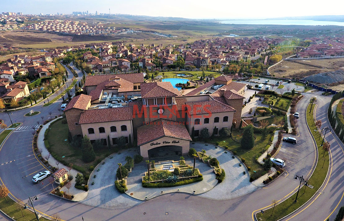 Luxury and Massive Villa for Sale in Istanbul Buyukcekmece