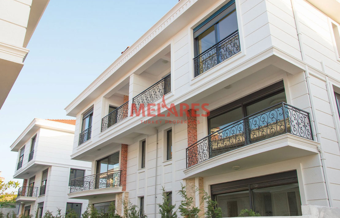 Duplex Seafront Villas for Sale in Istanbul